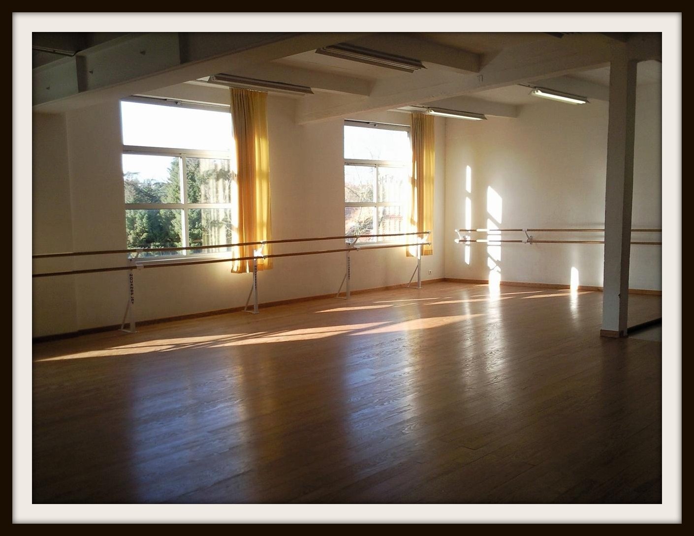 nos installations de gym et de danse hasparren. Black Bedroom Furniture Sets. Home Design Ideas